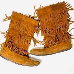 Minnetonka Brown Fringe Moccasin Boots Size 9